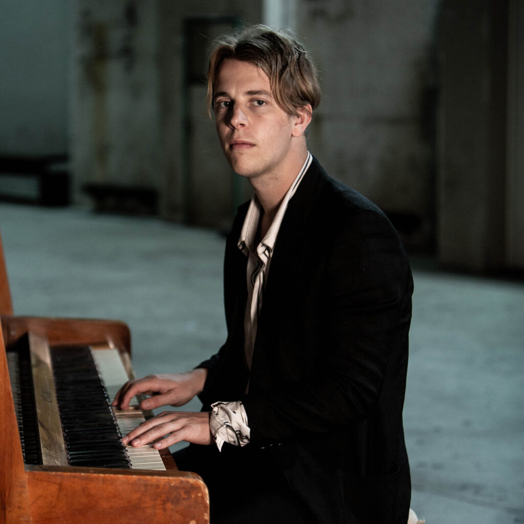 Tom Odell, Musiker